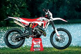 2018 honda 2 stroke. beautiful honda beta surprised us by developing a completely new motor and presenting the  world with 125 twostroke offroad bike for 2018 the 125rr has sixspeed  and 2018 honda 2 stroke