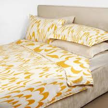 dvf yellow bedding motif beautiful bedding motifs in the diane von furstenberg bedding bedroom