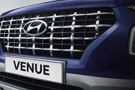 Designed for the urban explorer its bold styling means it's not afraid to make a statement. Hyundai Venue Price July Offers Images Mileage Review And Specs