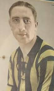 Enrique Garcia 1936.JPG García in Rosario Central colours - Enrique_Garcia_1936