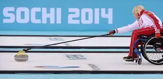 героев зимних Паралимпийских игр в Сочи  на Паралимпиаде к слову смешанный разряд вместе с мужчинами выступают и женщины выиграла в Сочи серебряную медаль Зимних Паралимпийских игр