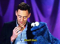 cookie monster tom hiddleston gif. Contemporary Cookie Tom Hiddleston And The Cookie Monster Intended Monster Gif W