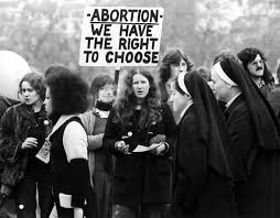 anti rally and counter rally in hyde park london april 28 1974 roe v wade legalized a woman s right to an in america in 1973