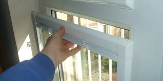 Fitting Window Roller BlindBlinds Fitted To Window Frame