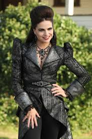 OUAT Most of the time I don t really like the Evil Queen s outfits.