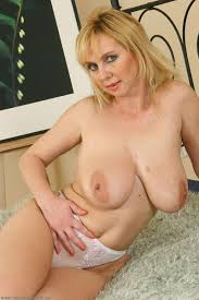 Mature nake blonde movies