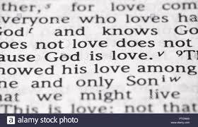 Le Verset Biblique Dieu Est Amour Dans Lobjet Banque Dimages