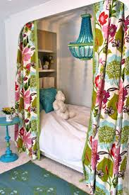 Pink And Green Girls Bedroom 25 Best Ideas About Girls Bedroom Chandelier On Pinterest Kids