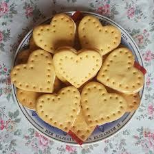 sarah kitson on twitter nigella lawson s custard creams the king of biscuits ready for biscuit week britishbakeoff biscuitweek