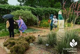 this year toronto based helen battersby of toronto gardens hams it up in designer b jane s garden