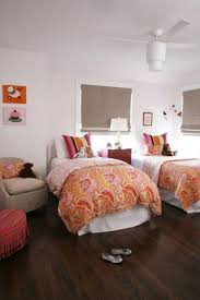 Small Bedroom With Two Beds Small Bedroom For Two Beds For Twins With Colorfull Comforter And