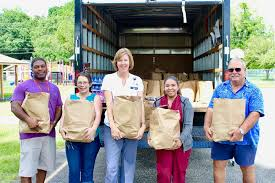 Putting compassion into action to feed the hungry - Circles ...