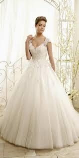 Die besten 25+ Hochzeitskleider mit spitze Ideen auf Pinterest ...