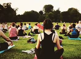 the summerlong schedule of outdoor yoga in new york city