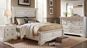 Claymore Park Off-White 8 Pc King Panel Bedroom | Decor ideas ...