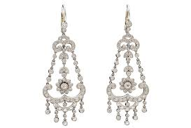 5 <b>Classic Jewelry</b> Styles Steeped in History