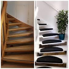 Keine angst vor schmutz und hohen kosten. Diy Treppen Renovieren Aus Alte Holztreppe Neue Weisse Treppe Mit Schwarzen Fussmatten Machen Treppe Renovieren Holztreppe Renovieren Treppe Weiss