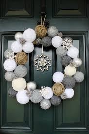 front door decoration38 Stunning Christmas Front Door Dcor Ideas  DigsDigs