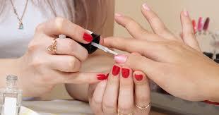Få hårda naglar