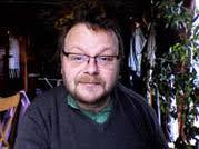 Simon Arber. Votre technicien. Diplomé de l'Université de Londres, bilingue anglais-français, ancien professeur d'informatique en lycée à Londres, ... - me2