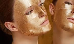 <b>Омолаживающая маска для</b> лица на основе 24-каратного золота ...
