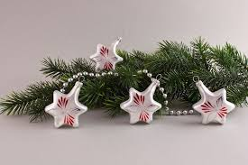 4 Sterne Weiß Matt Zu Roter Kerze Christbaumschmuck Aus Glas