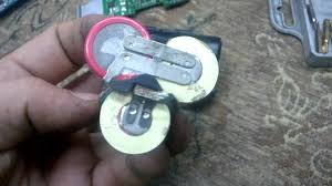 Вскрытие <b>Li</b>-<b>Ion</b> 10.8в <b>аккумулятора Bosch</b>. - YouTube