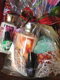 bath and body works gift basket ideas christmas gift ideas giggles and laundry