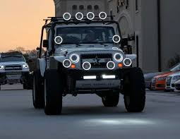 this is how forward lighting should be done whoever built this rig probably doesn t go off road at least not without a large group as he doesn t