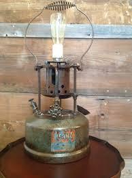 industrial lighting diy. Steampunk Lamp, Pipe Loft Apartments, Industrial Lighting, Vintage Light Fixture, Apartment Interior Design, Repurposed Items, Lighting Diy K