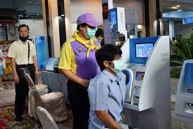 เริ่มแล้ว! ชลบุรี ฉีดวัคซีนโควิด19 กลุ่มเป้าหมายบุคลากรทางการแพทย์ รพ.ชลบุรี  550 คน | Hfocus.org เจาะลึกระบบสุขภาพ
