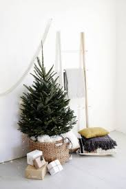 christmas trees for small spaces. Beautiful Small 27 Easy Christmas Home Decor Ideas  Small Space Apartment Decoration For  Holidays With Trees Spaces A