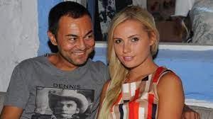 Serdar Ortaç'ın eşi Chloe Loughnan'dan TL'ye destek - Magazin Haberleri