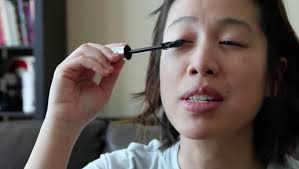 applying make up can be a challenge even when you have practised in front of the mirror for years but how do blind people manage it on their own
