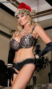 Welcome to the Official Blog of Kelly Madison