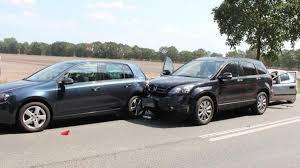 Unfall Auf Der B72 Bei Thüle Vier Verletzte Und Drei Kaputte Autos