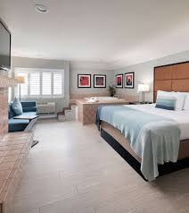 Elegant Rooms And Suites In Monterey Ca Mariposa Inn And
