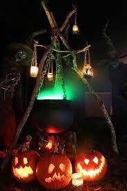 ideas outdoor halloween pinterest decorations:  cool outdoor halloween decorating ideas