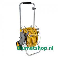 5010646054300 hozelock euro cart metalen slangenwagen 90 incl 30m slang koppelingen en tuinspuit