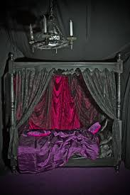Goth Bedroom Furniture 25 Best Ideas About Gothic Bed On Pinterest Gothic Furniture