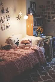 Bedroom: Pretty Dorm Room Decor Ideas - Dorm Bedrooms