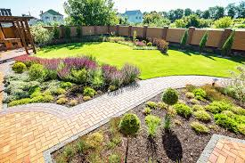 10 Tips to Improve Your Landscaping in the Spring