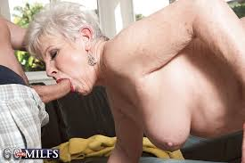 Old granny gives big blowjob