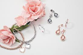 august woods silver heart bracelet august woods silver teardrop gl earrings argento rose gold open bow crystal ring