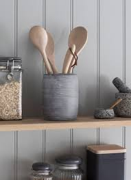 Keep your kitchen looking stylish and organised with the Utensil Holder  crafted in Raw Marble