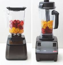 two diffe blenders