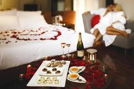Romantic Bedroom Ideas for Valentine's Day  Bedroom with romantic dinner