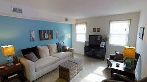 2BR, 1BA   698 SF   Donnybrook Apartments
