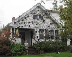HALLOWEEN DECORATIONS / IDEAS & INSPIRATIONS: Crazy Spider House Outdoor Halloween  Decorations - CotCozy