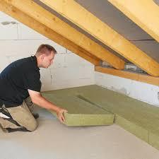 Komm zu couch und entdecke wohntipps, mit denen sich eine dachschräge clever inszenieren lässt. Diese 3 Fehler Bei Der Dachbodendammung Mussen Nicht Sein Energie Fachberater